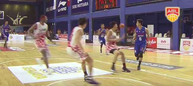 Alab Pilipinas' JR Cawaling SICK No-Look Pass to Hans Thiele (VIDEO)
