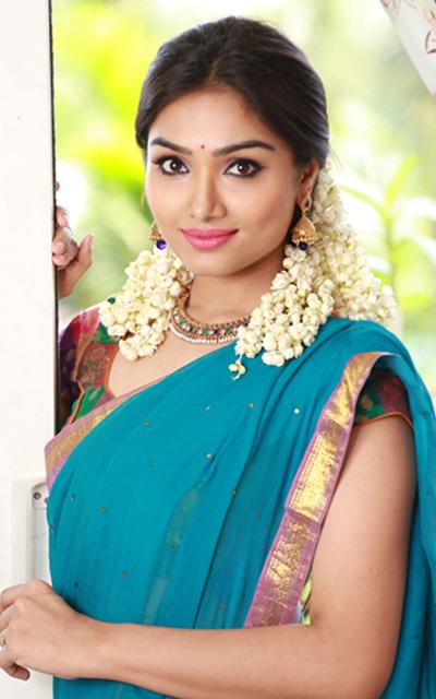 Aishwarya Devan Prayaga Martin Hot Photoshoot