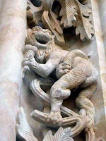Demonio con helado en la fachada de la Universidad de Salamanca