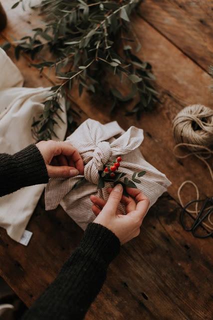 Furoshiki zéro déchet emballage cadeau tissu écolo Noël