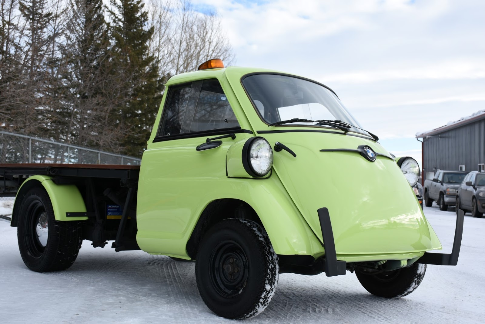 6 Seater Trucks >> BMW Isetta Is The Pickup You Never Knew You Wanted | Carscoops