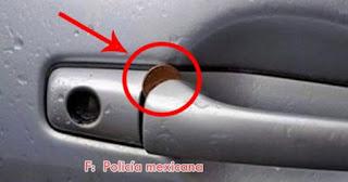 ATENCIÓN: Si ves una moneda en la puerta de tu carro, tienes que reaccionar inmediatamente.