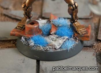 Peana con césped azul
