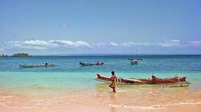 nuansa pantai pink lombok