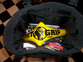 Phit Grip in Purse