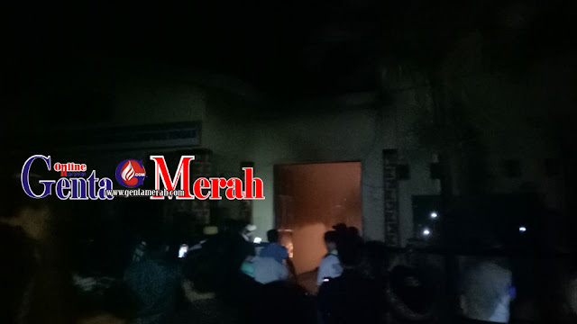 Warga Panik, Si Jago Merah Ngamuk di Balai Kampung Kotagajah