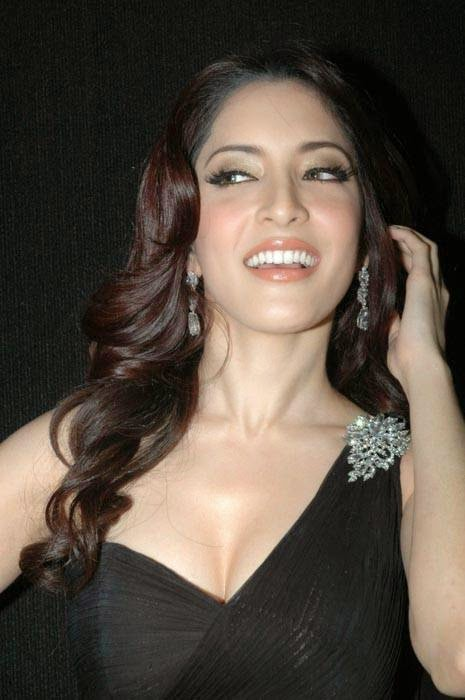 Meenakshi Unseen Stills, Actress Meenakshi Hot Photo Gallery in Black Dress