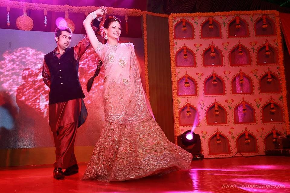 http://3.bp.blogspot.com/-Jq1bSSfBncw/UsGAhNj7ZII/AAAAAAAAOgQ/3FH9dFinA5E/s1600/tv-actress-aamna-sharif-wedding-photos+(8).jpg Aamna Sharif Wedding