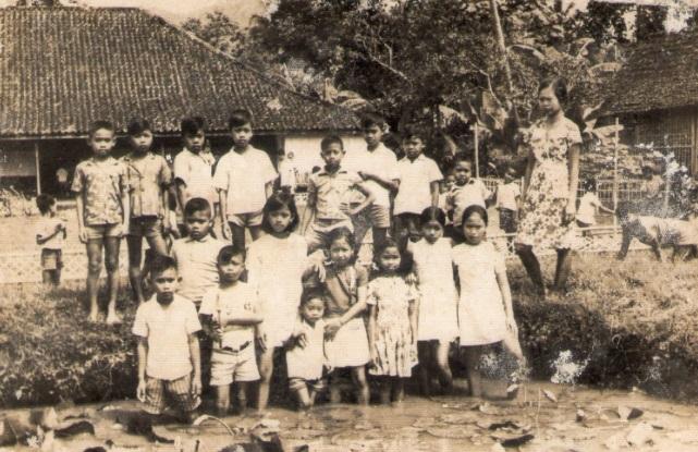 Pendidikan di Indonesia pada awalnya menetapkan bulan Januari bertepatan dengan awal tahun Sejak Kapan dan Mengapa Tahun Ajaran Baru Dimulai bulan Juli, kok Tidak Tetap Dimulai Januari Saja?