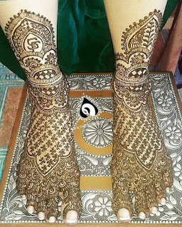 Thease bold mehandi designs also impress your love one and your relatives and friend.