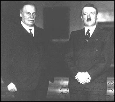 26 November 1940 worldwartwo.filminspector.com Adolf Hitler Lord Rothermere