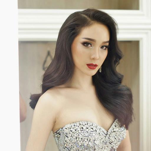 Mo Jiratchaya beautiful Thailand ladyboys Instagram photo