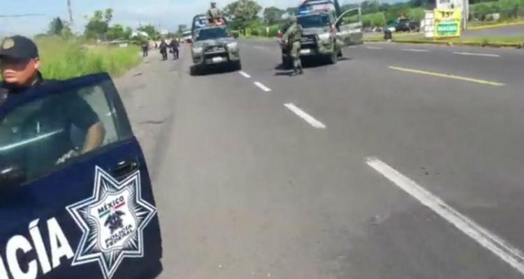 Enfrentamiento armado contra sicarios deja tres policías muertos en Veracruz