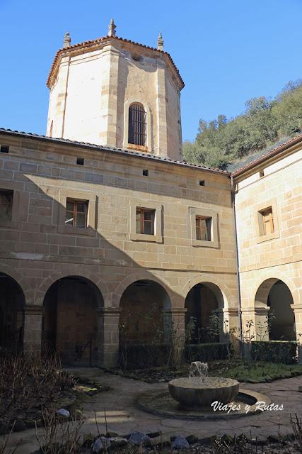 Claustro del Monasterio de Santo Toribio de Liébana