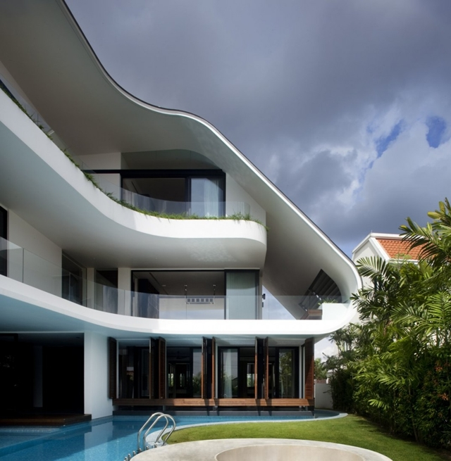 A Luxury Mansion L: Modern Cabinet: Modern Mansion Defined By Curves And