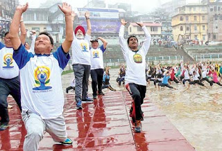 Bimal Gurung and MP SS Ahluwalia at Mela Ground Kalimpong on International Yoga Day