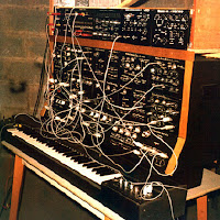 Robert Schroeder 1977 Second Selfbuild Synthi / source : Robert Schroeder
