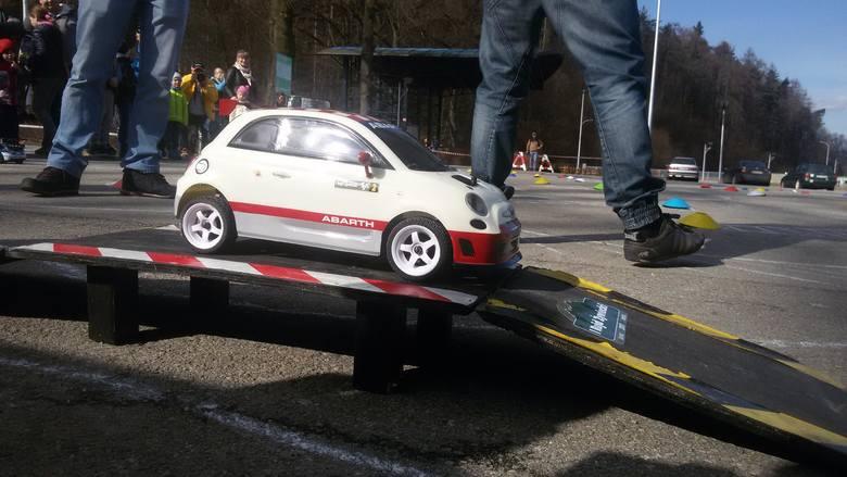 1 Fiat 500 Abarth R3T FWD