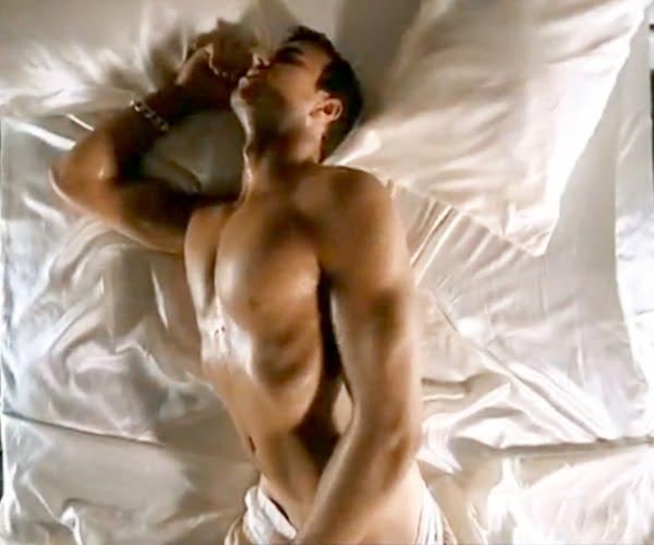 Attractive Nude Enrique Pics Pictures