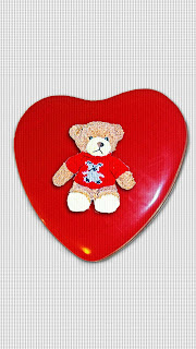 Heart-shape-teddy-bear-image