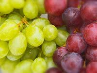 4 Perbedaan antara Anggur Merah dan Hijau