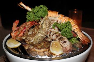 Intercontinental Samui, grigliata di pesce al ristorante sulla spiaggia