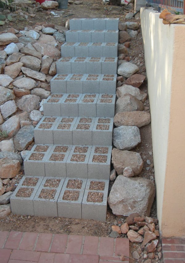 Mom Buys Cinder Blocks and Uses Them In Ways I Never Thought of: Here Are 15 Stunning Ideas
