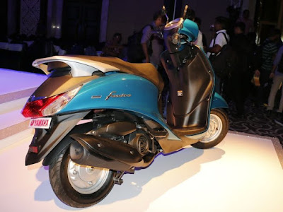 Yamaha Fascino scooter rear view
