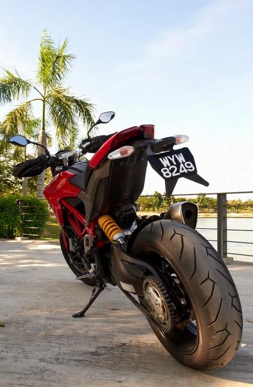 motorcycle tour: ducati hypermotard 821