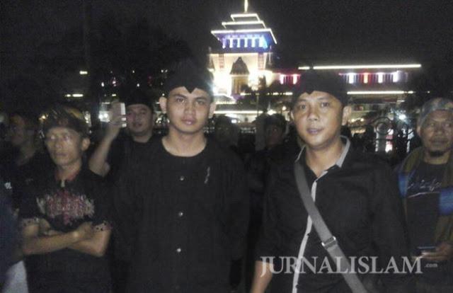 Jawara Bandung Adakan Aksi 1.000 Autan Dukung Ahok Dibui