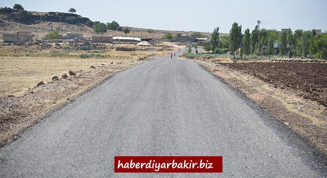 Eğil'de kırsal mahalle yollarındaki çalışmaların yüzde 90'ı tamamlandı