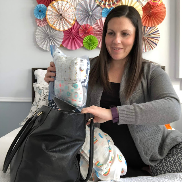 A complete list of everything you need in your hospital bag for the best experience possible #momlife #hospitalbag #parenting