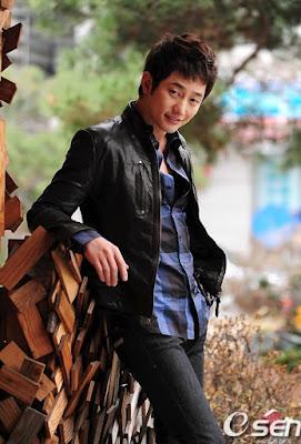 Foto Gambar Park Si-Hoo pemeran Cha Woo-Hyuk3