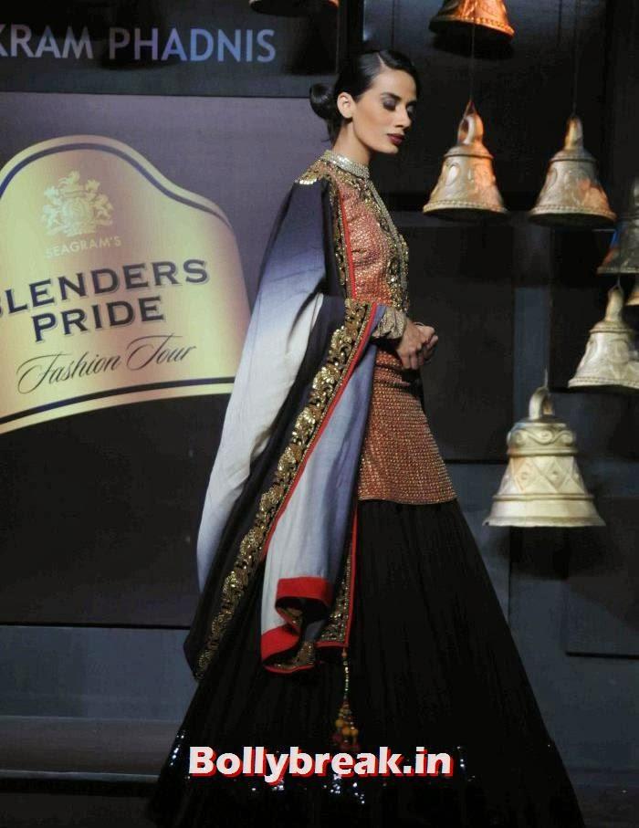 Sony Kaur, Models Walk the Ramp for Vikram Phadnis at BPFT 2013