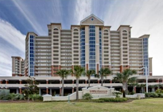 Lighthouse Condo Vacation Rental in Gulf Shores