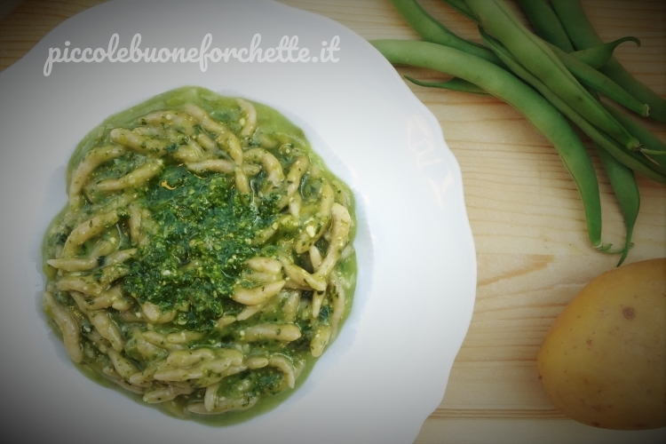 Ricette Verdure Nascoste.Ricetta Trofiette Semi Integrali Al Pesto Di Basilico Con Crema Di Fagiolini E Patate Per Bambini Piccole Buone Forchette