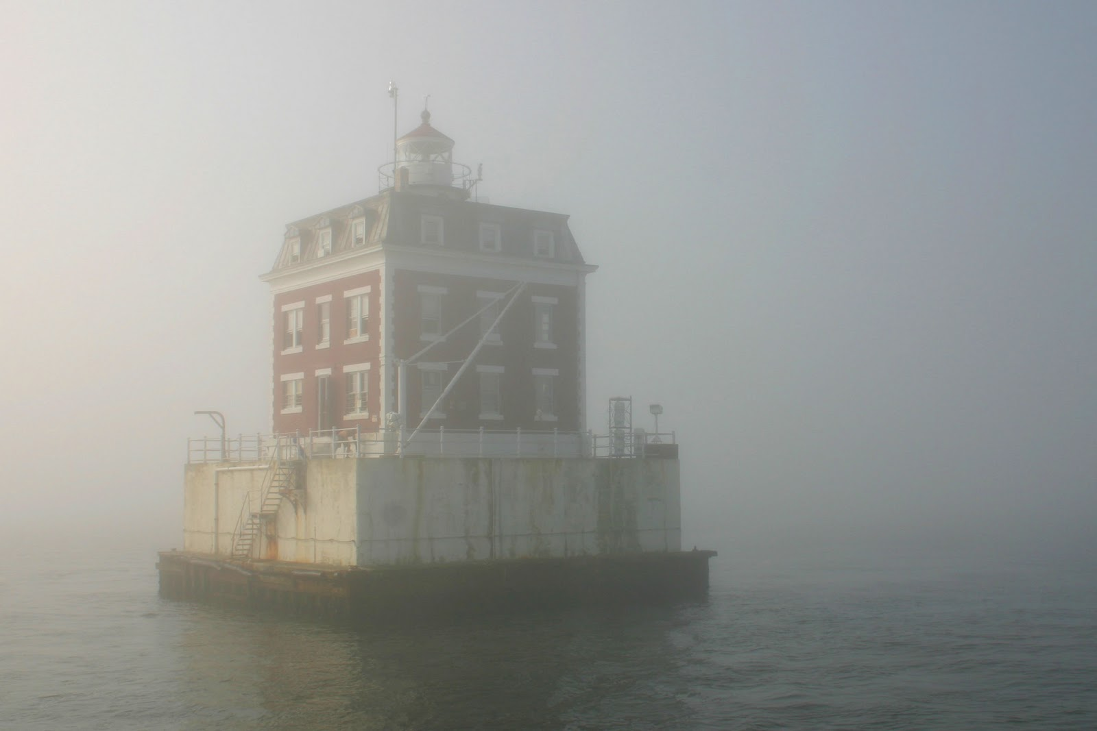 New England Lighthouses The Ghosts Of New London Ledge
