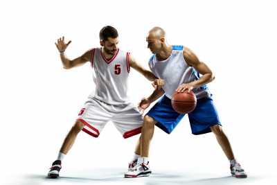 Jugar basquetbol