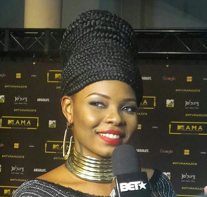 Hit or miss? Yemi Alade's outlook at MAMA 2016