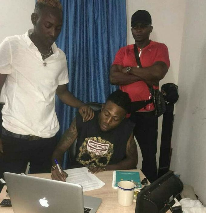 """""""Shepeteri"""" Crooner, Idowest Signed To Dammy Krane's Record Label – The End Of His Career?"""