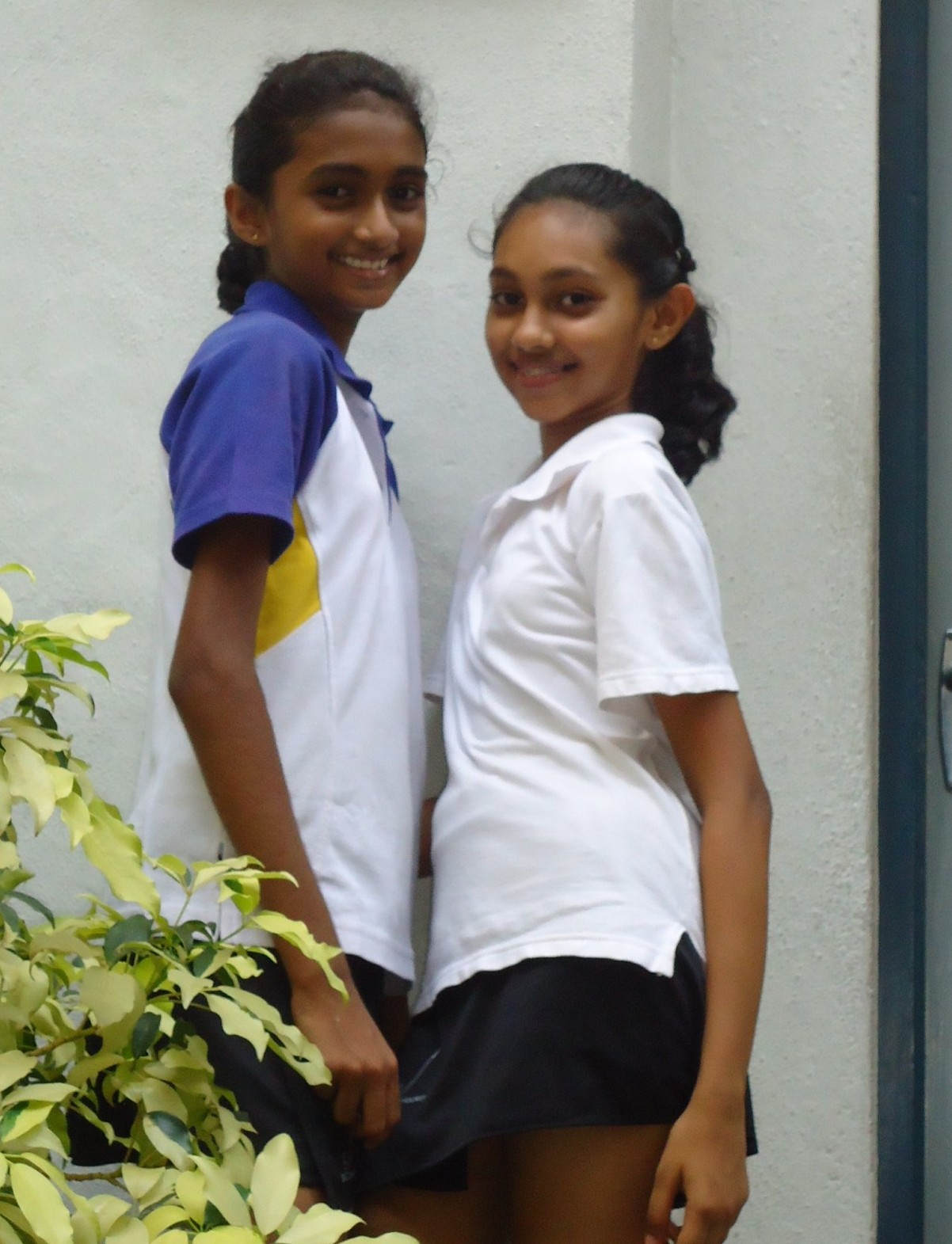 Sri Lankan School Girls - 3  Sri Lankan  Desi Indian Girls-6795