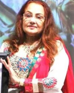Padma Khanna Family Husband Son Daughter Father Mother Marriage Photos Biography Profile.