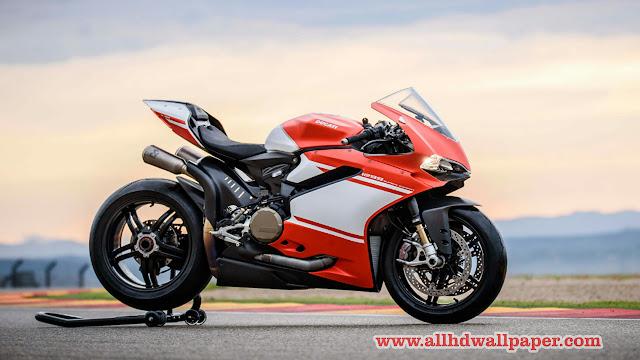 Download Ducati Bikes Wallpaper