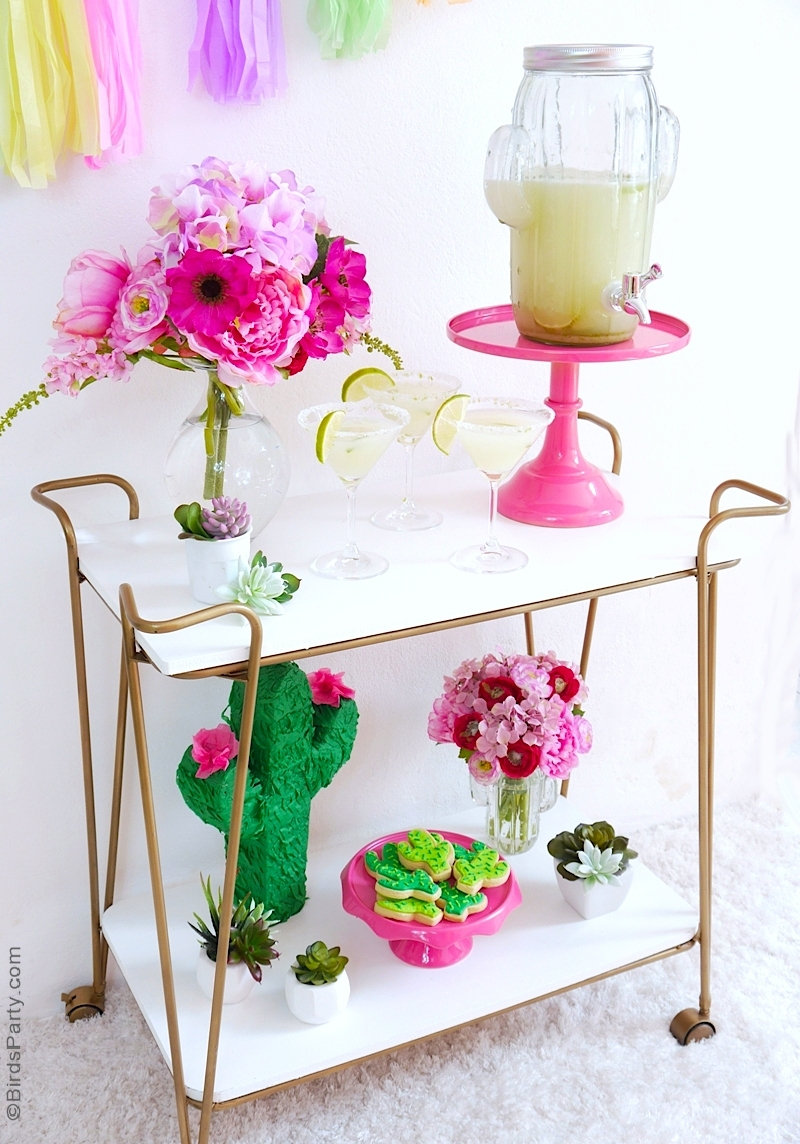 Cinco de Mayo Margarita Bar Cart and Cactus Sugar Cookies by BirdsParty.com @birdsparty #cincodemayo #barcart #maragritabarcart #cincodemayobarcart #cactusparty