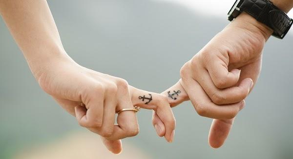 Las parejas que son felices no presumen su relación en Facebook, confirma estudio