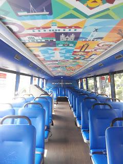 Lantai atas bus wisata Jakarta
