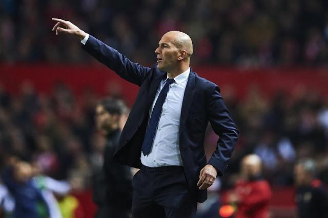 Zidane rời Real, tương lai dẫn dắt MU