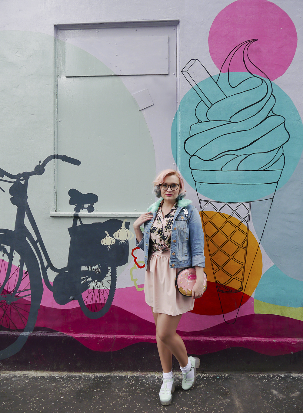 outfit round up, 2016 blogger outfit, blogger style, wardrobe conversations, Scottish blogger, UK style blogger, Edinburgh blogger, diner style, 50s diner outfit, pink and blue hair, slushie hair, unicorn hair, Roller Shakes, blog birthday, donut bag, novelty bag