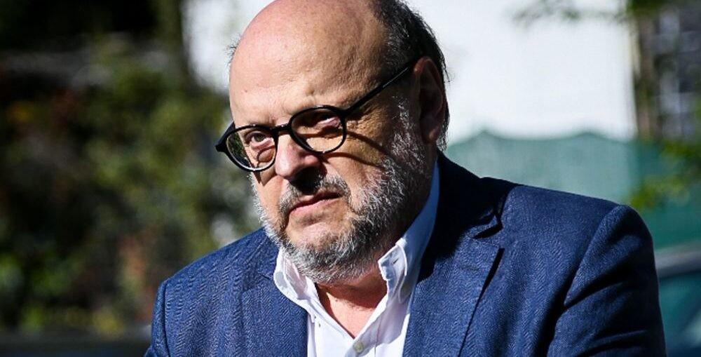 Αντώναρος: Οι μισθοί θα πέσουν στα 300-350 ευρώ!
