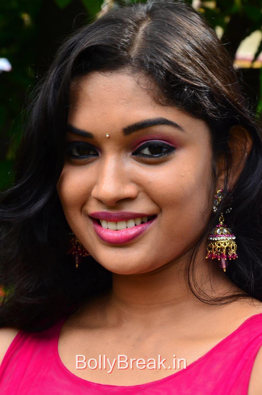 Priyanka Unseen Stills, Priyanka Hot Pics from Vandha Mala Movie Press Meet